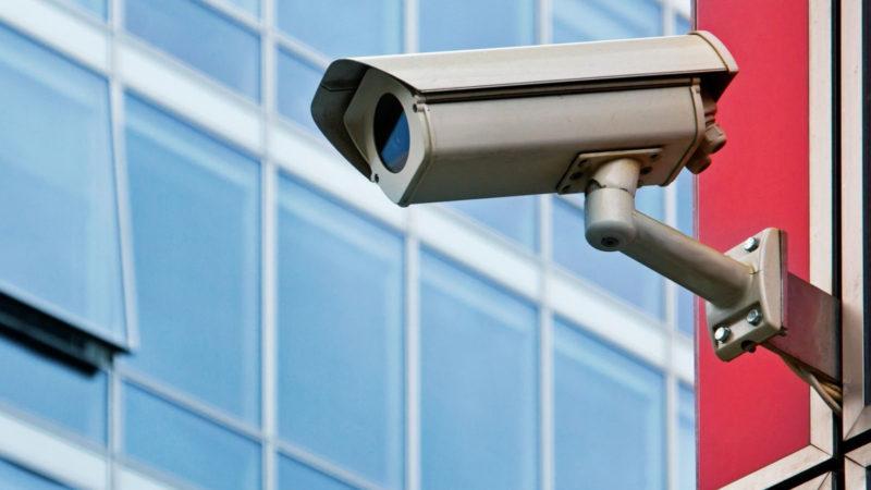 Kamery kolem nás – pocit bezpečí, nebo ztráta soukromí?